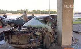 Водитель BMW, прежде чем остановится, разбил пять авто