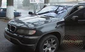 В Одессе BMW X-5 угнали вместе с хозяином
