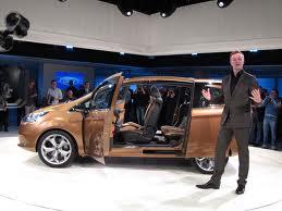 Ford B-MAX – новое слово в «небольшом» автомобилестроении