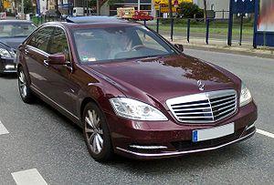 """Удобные автомобили от """"Мерседес"""" и  """"Nissan"""""""