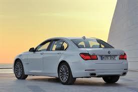 BMW представил обновленную седьмую серию
