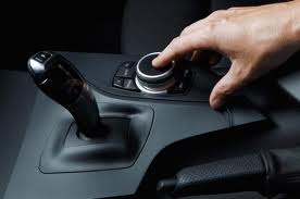 BMW добавила к iDrive контроллер с тачпадом