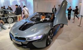 На Московском автосалоне компания BMW покажет свой концепт i8 Spyder