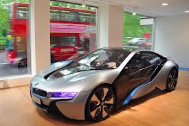 В Лондоне появился салон BMW i Flagship Store