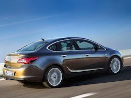 BMW подтвердил дебют своей переднеприводной новинки