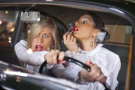 Женщины и автомобили – порой несовместимая смесь…