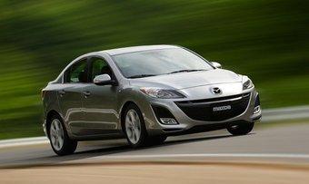 Mazda 3 в новом поколении официально представят на одном из автосалонов осенью 2013 года