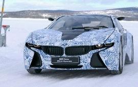 Тестирование BMWi8 на замерзшем озере в Швеции