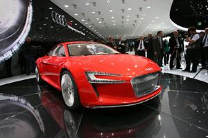 Неудачный пилотный проект R8 - e-tron компании Audi не поступит на авторынок