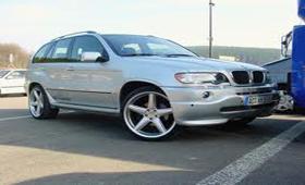 Жители Алтая предложили хозяину «вернуть» угнанный BMW X5