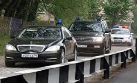 Автосервисы не спешат ремонтировать Мерседесы чиновников из Сведловска