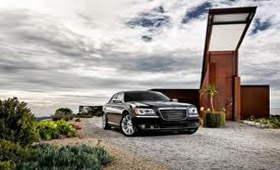 Новый гибрид Chrysler 300 появится в 2013 году