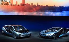 BMW пополнит свое новое экологичное семейство машинами i4 и i5
