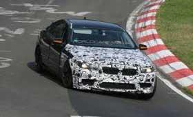 BMW F10 M5 2012 испытывают на полигоне