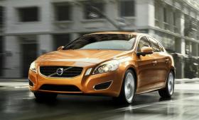 Volvo «дразнит» своей высокопроизводительной моделью S60 Polestar