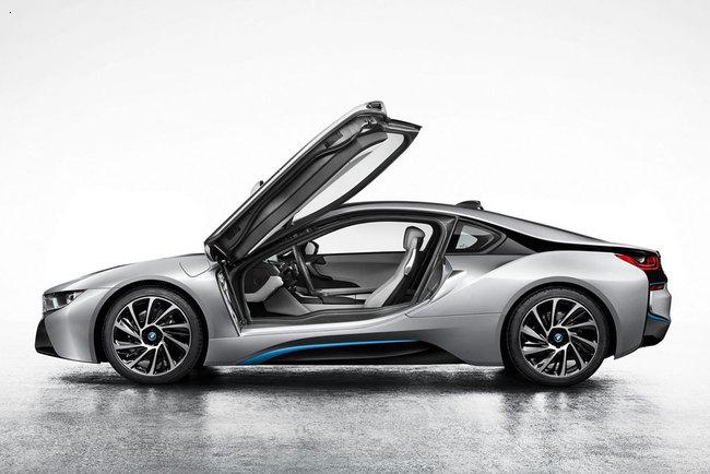 Новая модель от BMW – i8
