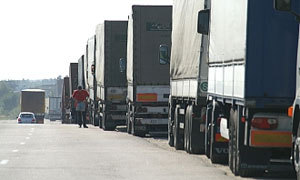 Остановка на московской обочине обойдется грузовому транспорту в 1500 рублей