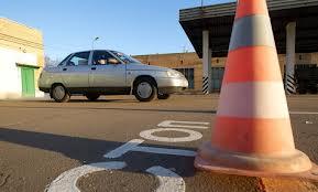 Автошколы требуют ускорить реформу обучения водителей