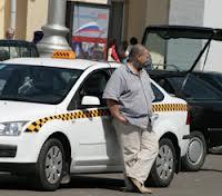 Столичное ГИБДД проводит регулярные рейды против нелегальных таксистов
