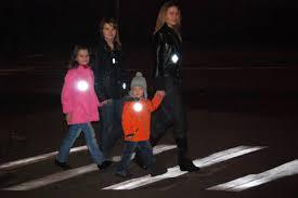 Светоотражатели станут обязательными для пешеходов