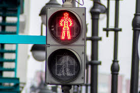 Светофоры с кнопками могут улучшить дорожную ситуацию