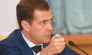 Медведев не даст послабления пьяным водителям