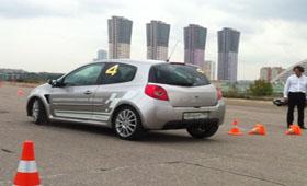Renault открыла столичную Академия для водителей